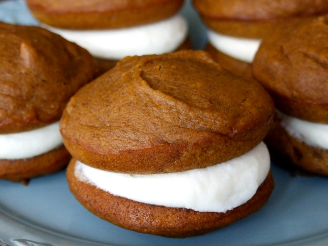 Pumpkin Whoopie Pies with Maple Cream Cheese Filling | Someone Left ...