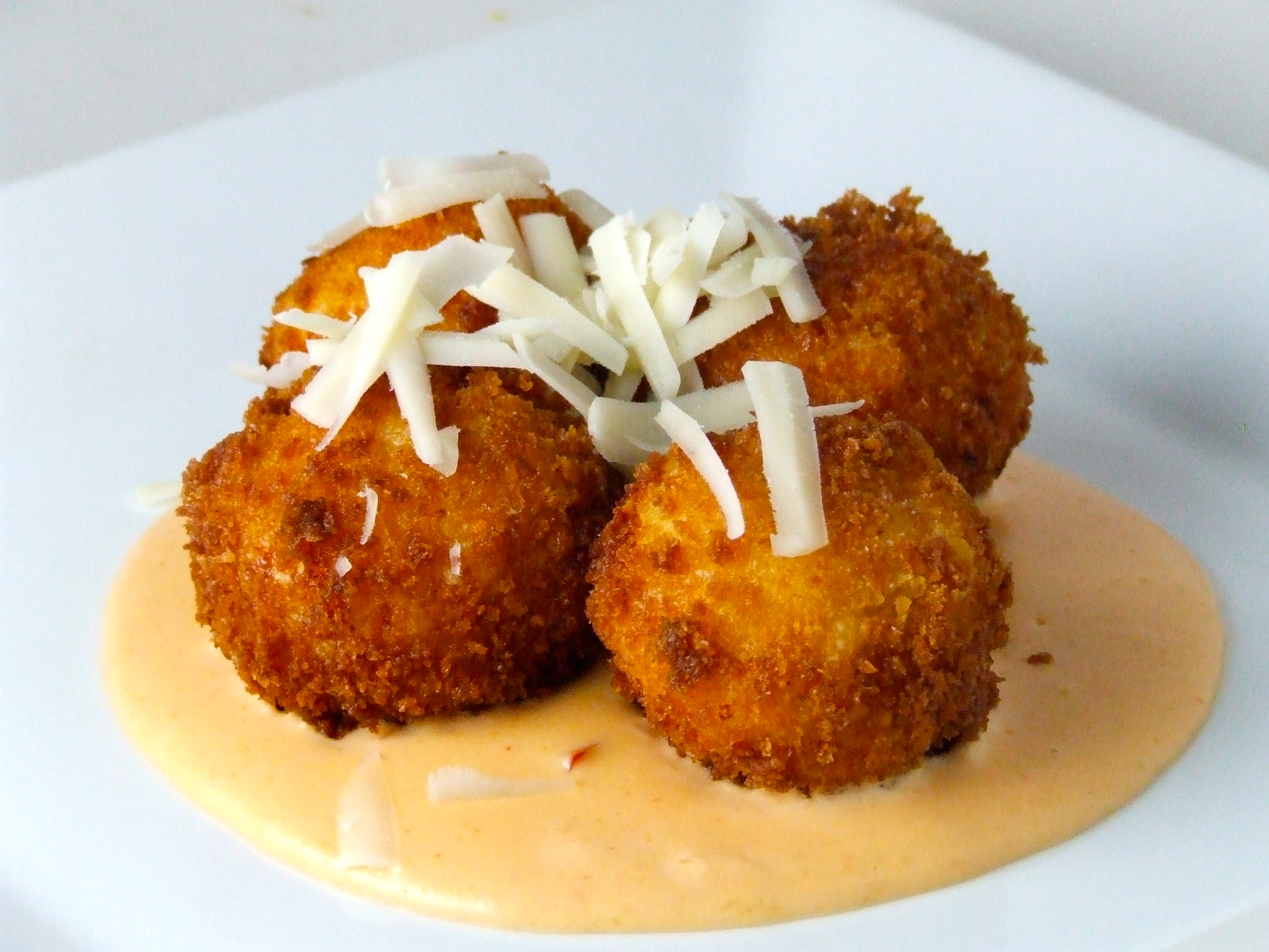 Touchdown Thursdays: Fried Macaroni & Cheese with Spicy Pimento Alfredo Sauce | Someone Left The ...